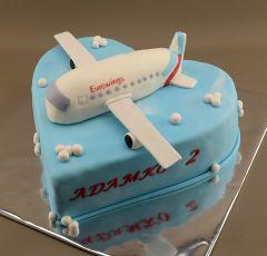 Lietadlo na torte