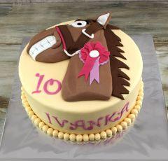 Torta s koňom